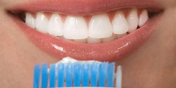 blanchir les dents en 1 fois