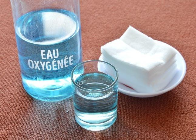 Eau oxygénée et dents : une solution alternative pour le blanchiment ?