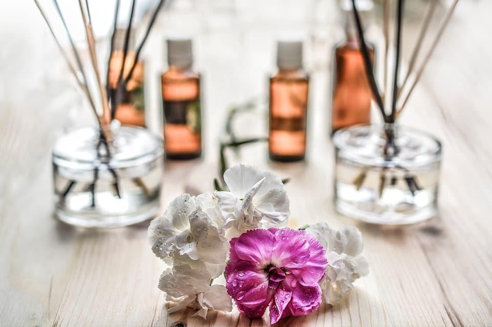 Comment bien choisir son coffret de parfum pour femme?