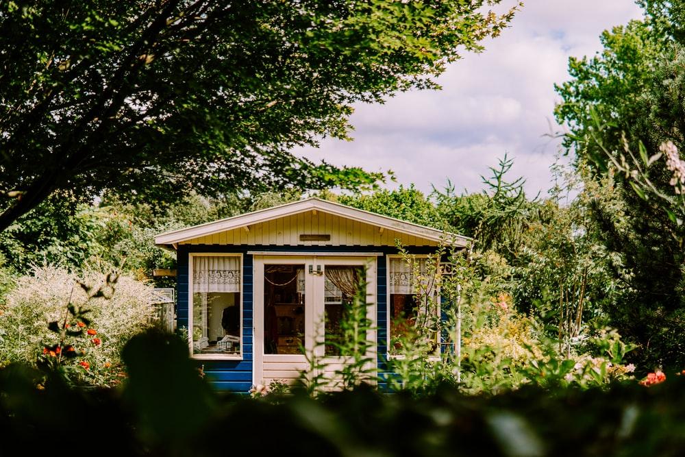 Tout savoir sur la réglementation concernant votre abri de jardin