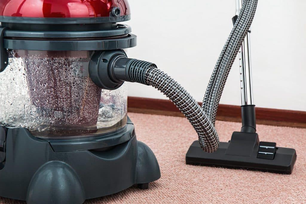 Aspirateurs balais sans fil, nettoyeurs et robots aspirateurs: qu'ont-ils changes dans notre vie?