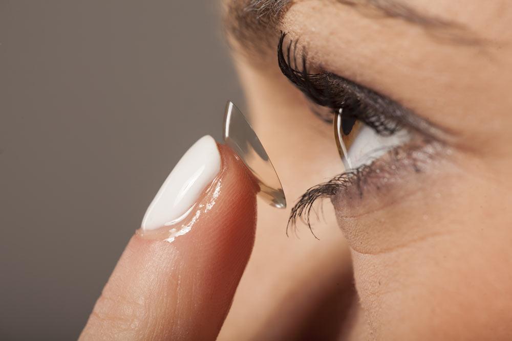 Comment utiliser correctement des lentilles de contact?